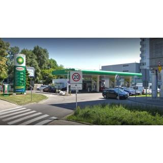 Całodobowy Soczewkomat na stacji paliw BP w Warszawie